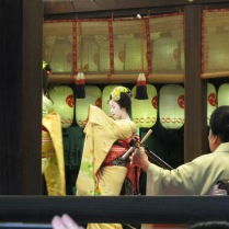 Meiko dance when I returned to the Hannatouro