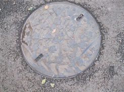 Even the manhole covers in Ueno have cherry blossoms!