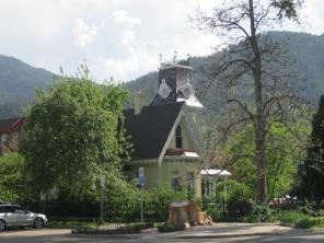 Victorian Boulder