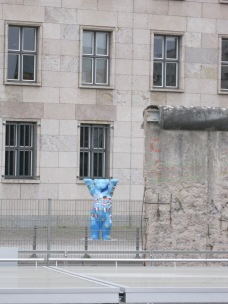 The Berlin Bear by the Wall