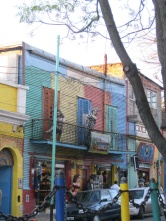 Life-sized figures showing what La Boca might have been like...