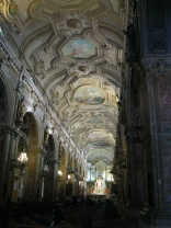 The nave of the Santiago Cathedral
