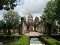 Wat Si Sawai from the front
