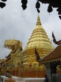 Another angle view of the Doi Suthep chedi