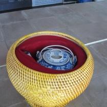 Basket as a tea cozy - interesting