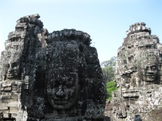 Group of heads up top Bayon